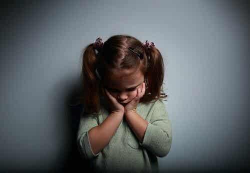 Co czuje dziecko, gdy rodzice są nieobecni emocjonalnie