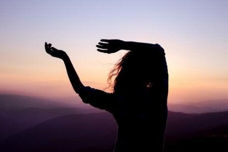Tańcząca kobieta