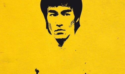Bruce Lee - portret na żółtym tle