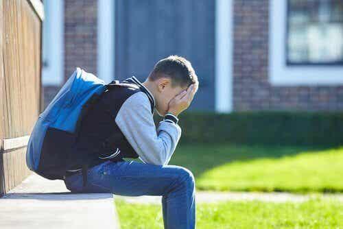Fobia szkolna - dlaczego dzieci odrzucają szkołę?