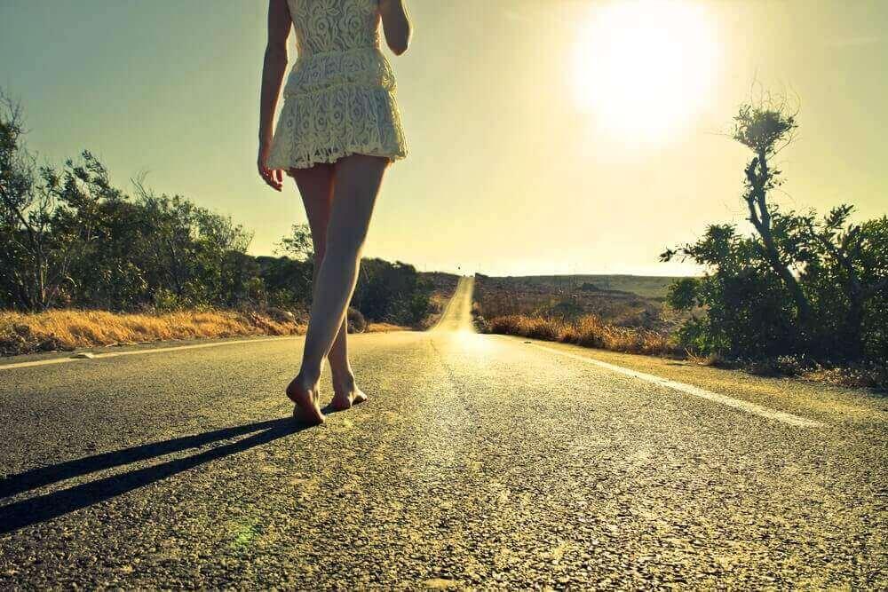 Kobieta na drodze
