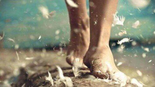 chodzenie boso - sposób na znalezienie szczęścia