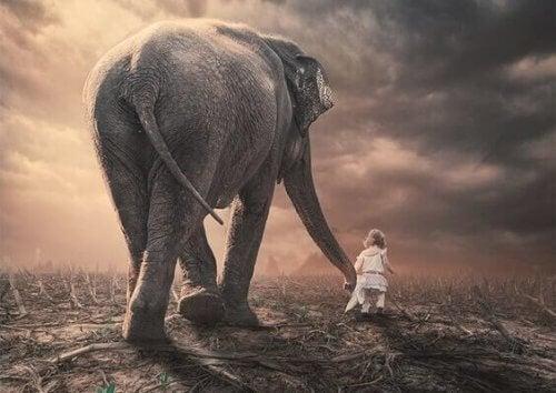 dziewczynka ze słoniem