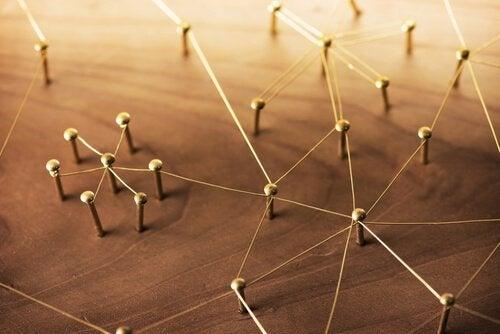 Nauki społeczne - 4 sposoby pozwalające je zrozumieć