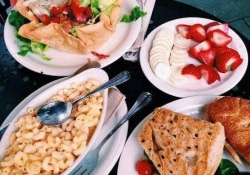 Mity na temat jedzenia – trzy najpopularniejsze z nich