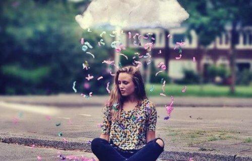 Kobieta pod chmurą