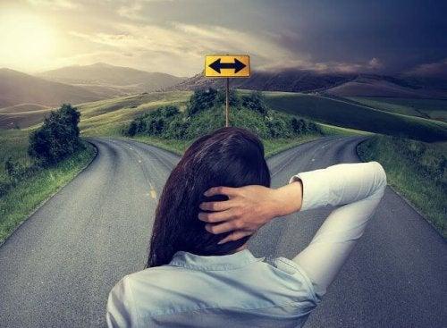 Kobieta podejmująca decyzje