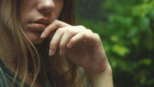 Kobieta rozmyśla