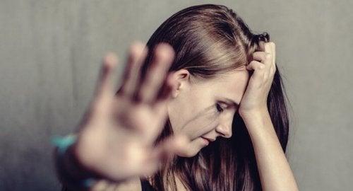 Maltretowana kobieta cykl przemocy