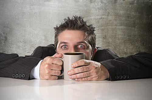 Kofeina może zatruć organizm - w jaki sposób?