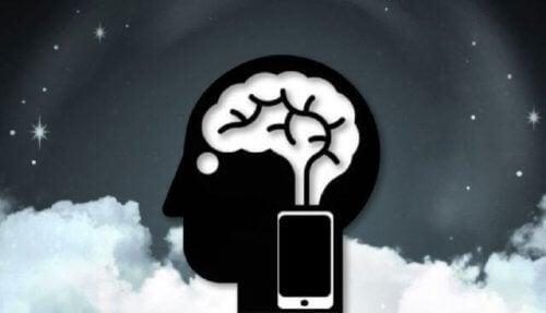 mózg z telefonem