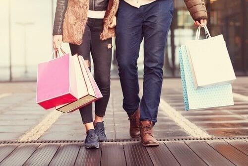 Płynne życie i konsumpcjonizm: dlaczego kupujemy?