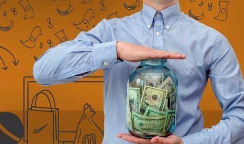Pieniądze: czy wiesz, dlaczego wydajesz ich więcej niż masz?