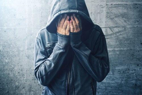 Hipoteza samoleczenia uzależnienia od narkotyków
