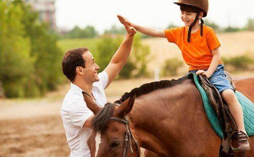 Hipoterapia - poznaj 6 najważniejszych korzyści z niej wynikających