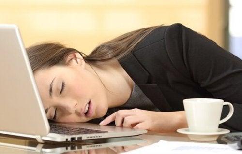 Narkolepsja: poznaj jej najważniejsze objawy i metody leczenia