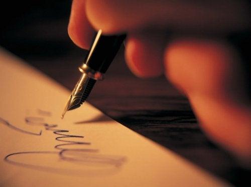 kaligrafia kobieca dłoń
