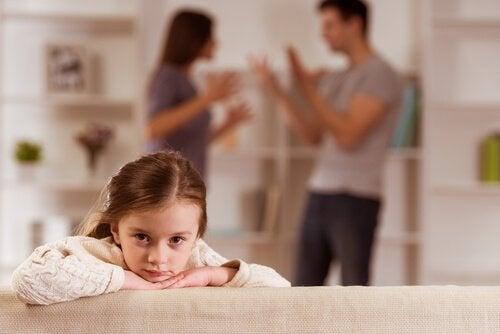 Wychowywanie dzieci: poznaj 3 typowe błędy, których należy unikać