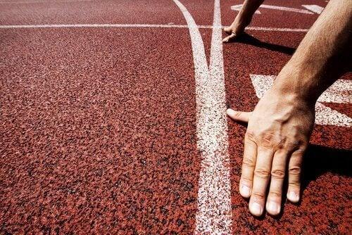 Linia startowa z biegaczem