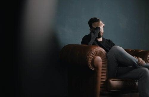Mężczyzna u psychologa
