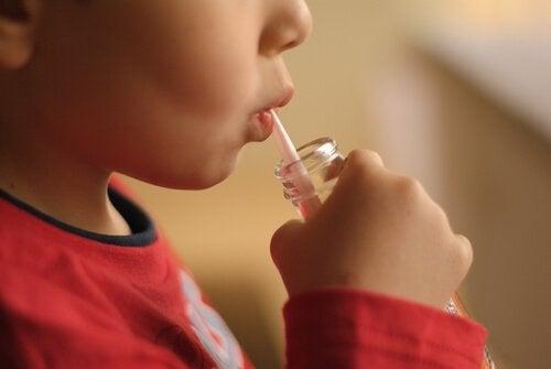 Napoje gazowane i ich związek z agresywnością u dzieci - poznaj go!