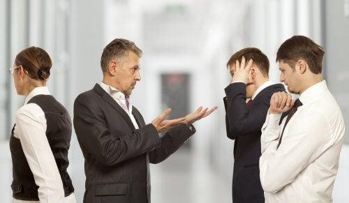 Konflikty w pracy - jak je rozwiązywać?