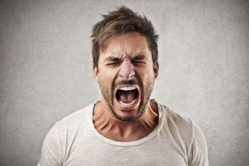 Toksyczne zachowania: krzyk i wściekłość