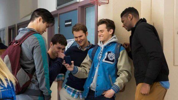 Trzynaście powodów - grupa chłopców