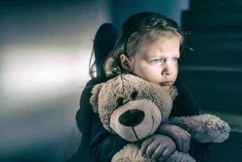 Reaktywne zaburzenia przywiązania: zaniedbane dziecko