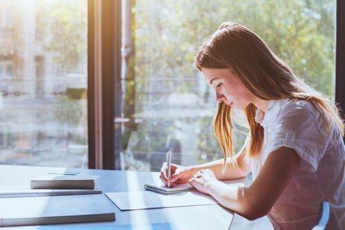 Samoregulacja w uczeniu się - co to takiego i dlaczego jest tak ważna?