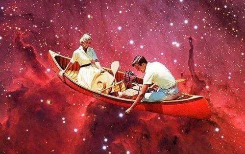 Para na łodzie wśród gwiazd