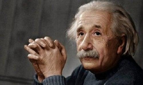 Albert Einstein: skrócona biografia rewolucyjnego geniusza