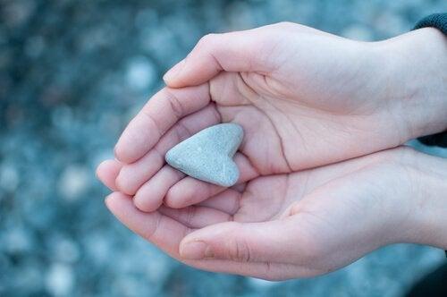 Kamień w kształcie serca