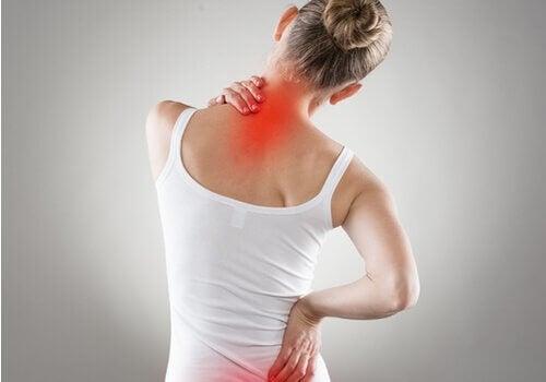 Ból pleców i niewłaściwa postura - 4 sprawdzone ćwiczenia