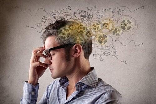 Mężczyzna - spolaryzowane myślenie