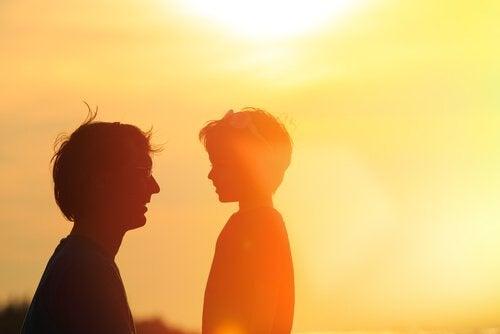 Ojciec rozmawia z synem