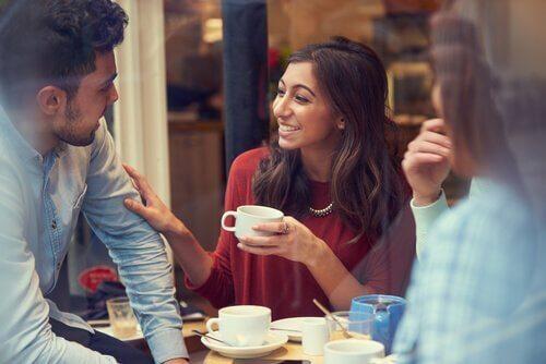 Przyjaciele i spotkanie przy kawie - ukryta depresja