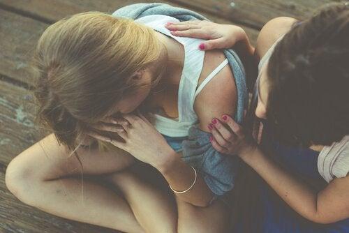 Sexting - pocieszenie ze strony przyjaciółki