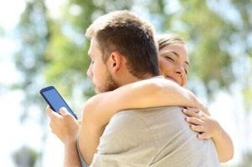 Wirtualna zdrada – czy wiesz, gdzie jest jej granica?
