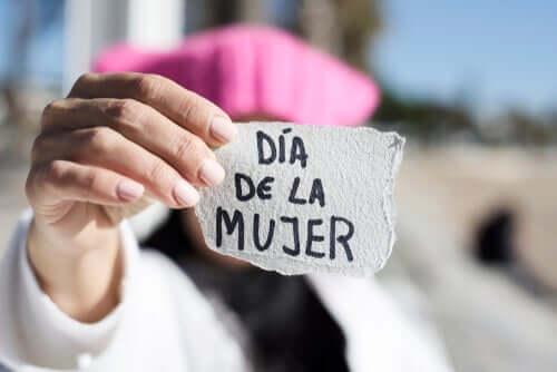 Dlaczego 8 marca kobiety wychodzą na ulice? Poznaj kilka podstawowych przyczyn