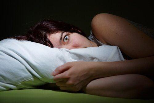 Paraliż senny: od wizyty inkuba do narkolepsji