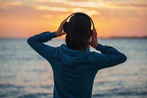 Wpływ muzykoterapii na zdrowie: muzyka może leczyć?