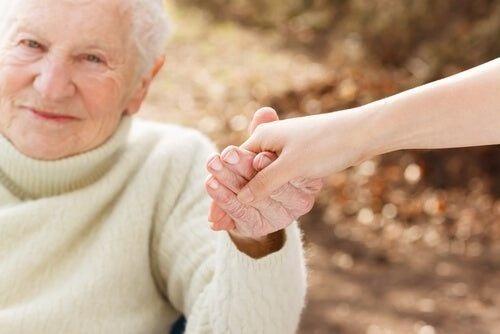 Opieka nad osobami niesamodzielnymi - dlaczego jest aż tak ważna?
