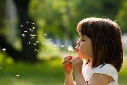 Rozwój emocjonalny dziecka - poznaj jego główne elementy