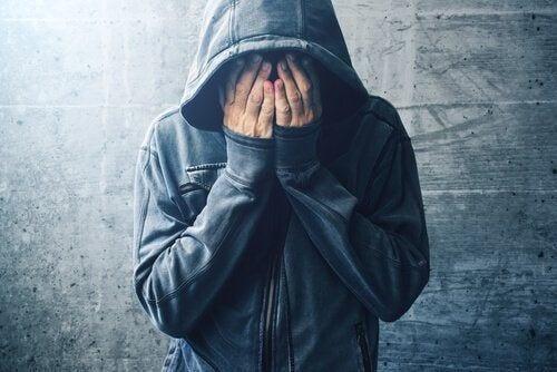 Człowiek uzależniony od opioidów