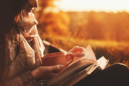 Czytanie przy zachodzie słońca