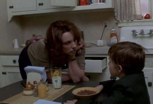 Szósty zmysł - mama rozmawia z synem