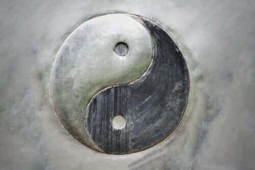 Yin i yang - poznaj dwoisty charakter ludzkiej egzystencji