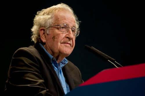 Chomsky na konferencji