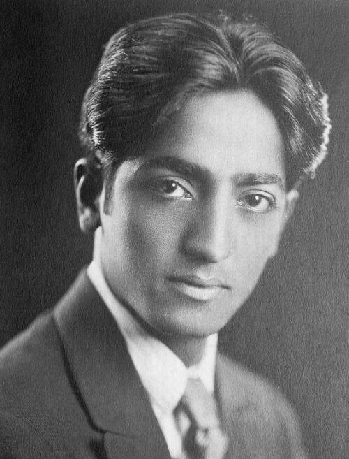 Jiddu Krishnamurti: prawda to kraina bez wytyczonych ścieżek